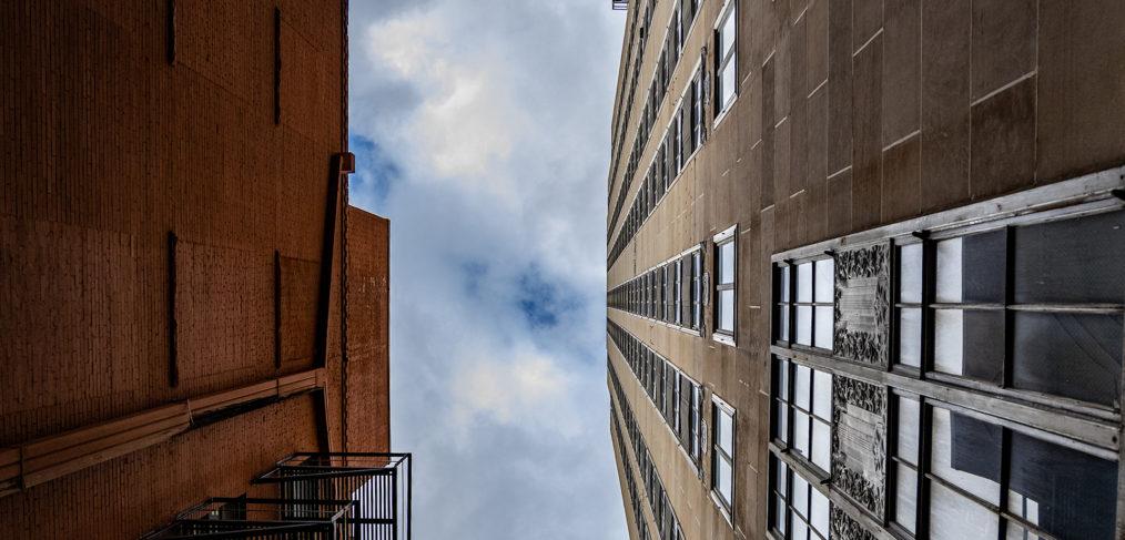 Vertigo Above the Skyline